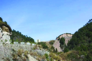 藏在广丰九仙山上的 大型清代古城堡