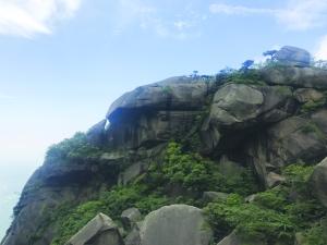 灵山――这里的石头是传□奇