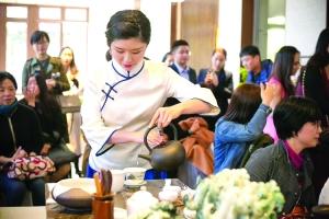 """习茶个年10 婺源女孩获""""最美茶艺师""""大赛季军"""