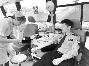 义务献血 传递爱心
