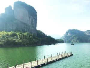 游湖泊 享清凉