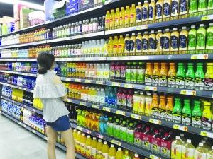 夏季来临 各类饮品热销