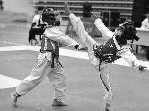 钟山学校获省跆拳道大赛团体第一名