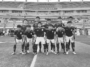 上饒中學  在省足球協會杯比賽中奪冠