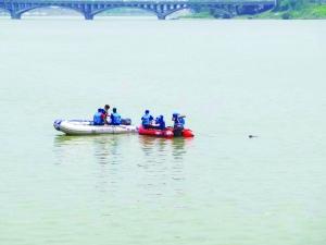 ■后续报道《一男子昨日下午从胜利大桥跳入信江》 跳江男子遗体已找到