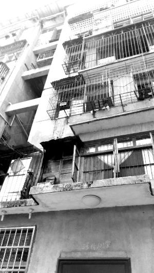 中山路一居民楼昨日起火户主称因电路老化引起