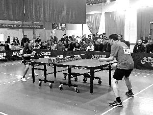 第十三届上饶鹰潭乒乓球十强交流赛举行